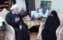 Visiting Martyr Qasem Soleimani's family
